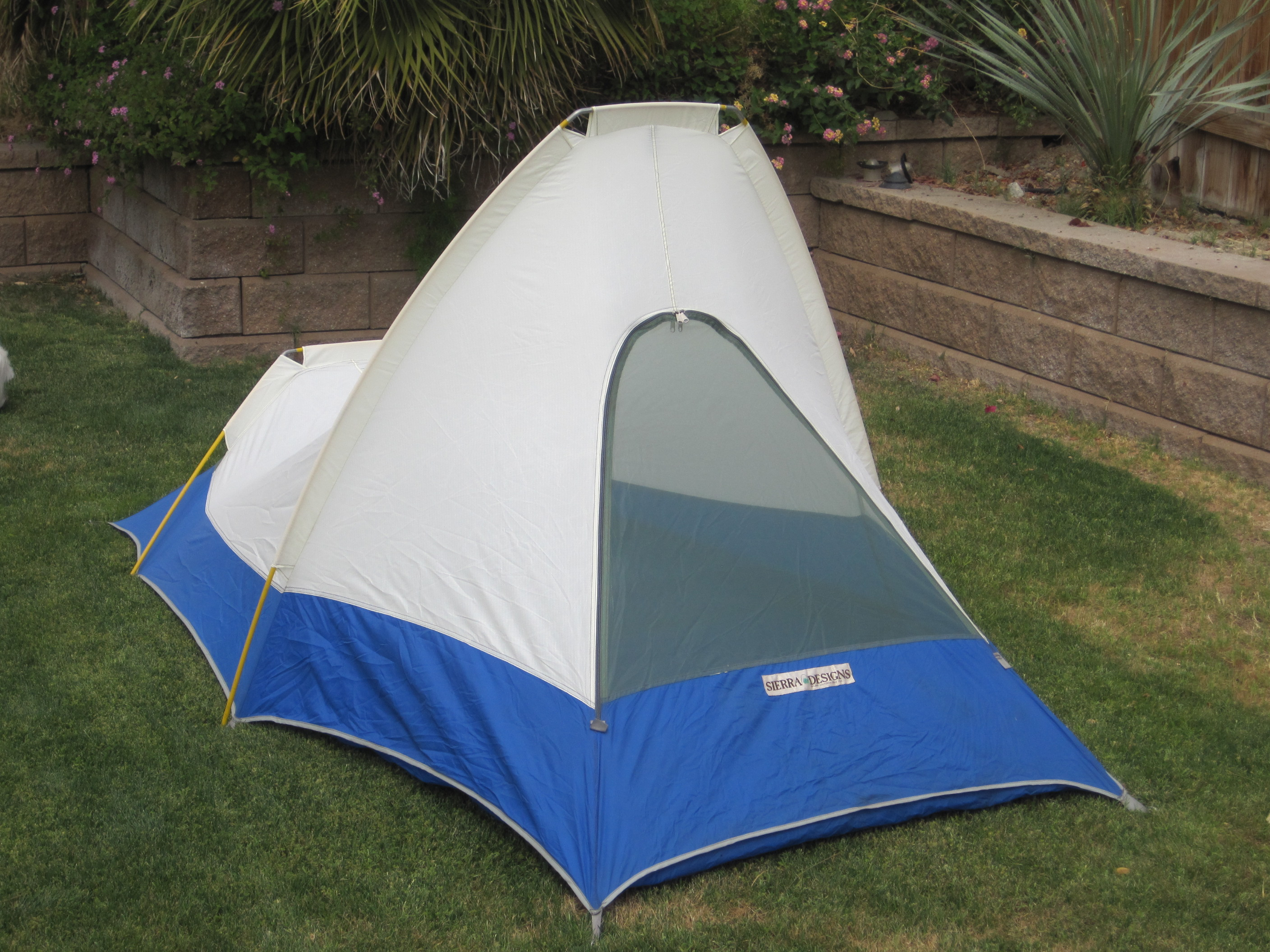 Front ... & 1970u0027s Sierra Designs Flashlight Tent | PopUpBackpacker