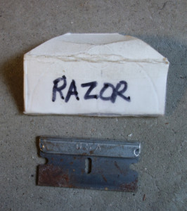 Razor blade smaller