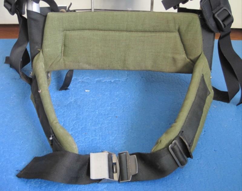 Kelty wrap-around padded hip belt.